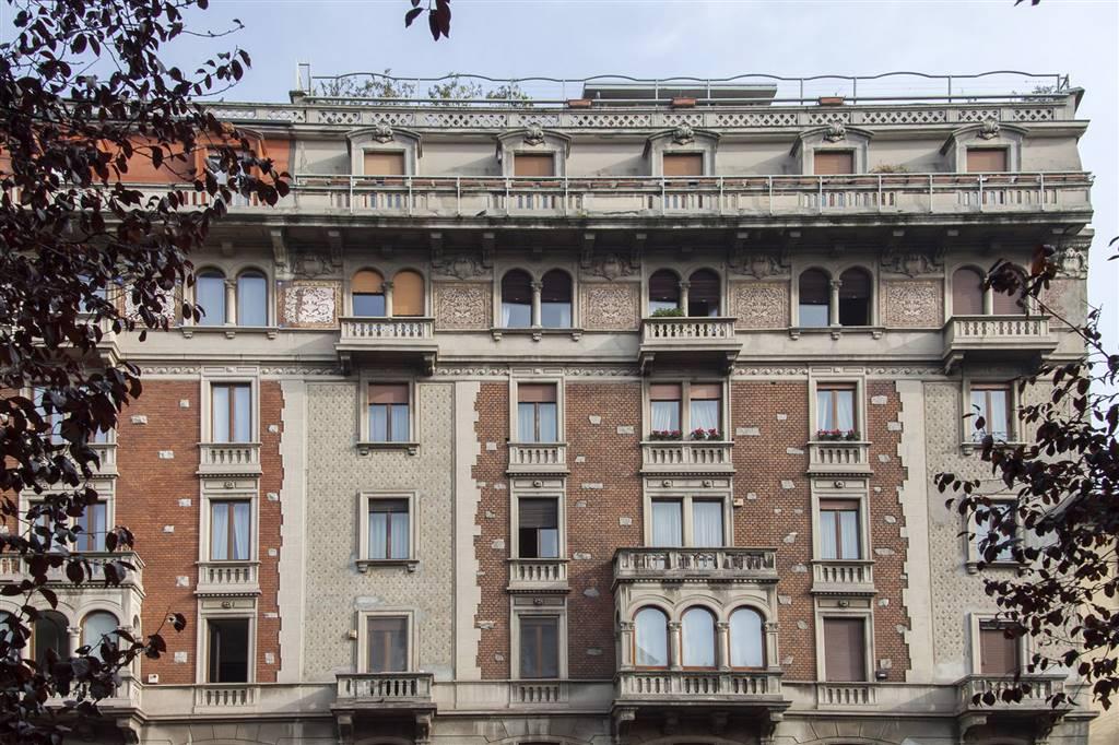 Appartamento in vendita a Milano, 8 locali, zona Zona: 6 . V Giornate, XXII Marzo, P.ta Romana, Viale Corsica, Tribunale, Policlinico, prezzo € 1.320.000 | CambioCasa.it