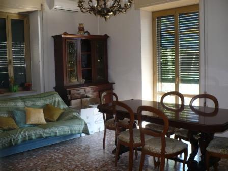Appartamento in vendita a Frosinone, 5 locali, zona Località: FROSINONE ALTA, prezzo € 98.000 | PortaleAgenzieImmobiliari.it