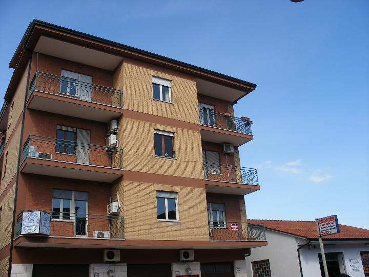 Ufficio / Studio in vendita a Frosinone, 4 locali, zona Località: SCALO, prezzo € 140.000 | CambioCasa.it
