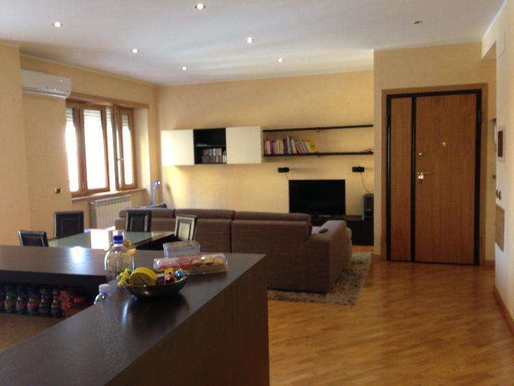 Appartamento in Via Maria  65, Centro, Frosinone