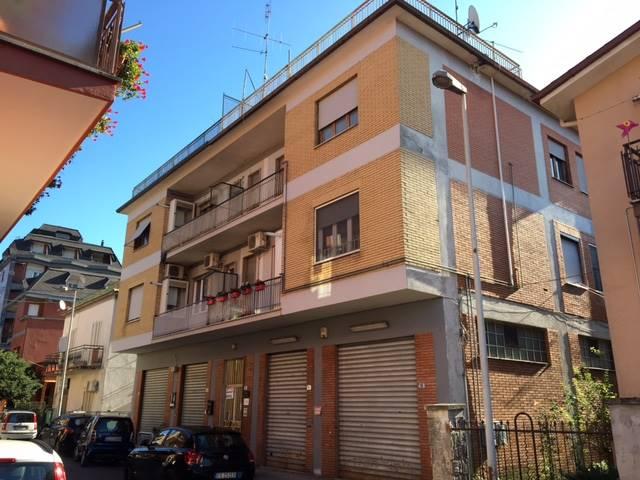 Ufficio / Studio in vendita a Frosinone, 5 locali, zona Zona: Centro, prezzo € 95.000 | CambioCasa.it