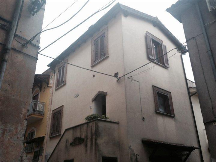Appartamento in vendita a Frosinone, 2 locali, zona Località: FROSINONE ALTA, prezzo € 48.000 | PortaleAgenzieImmobiliari.it