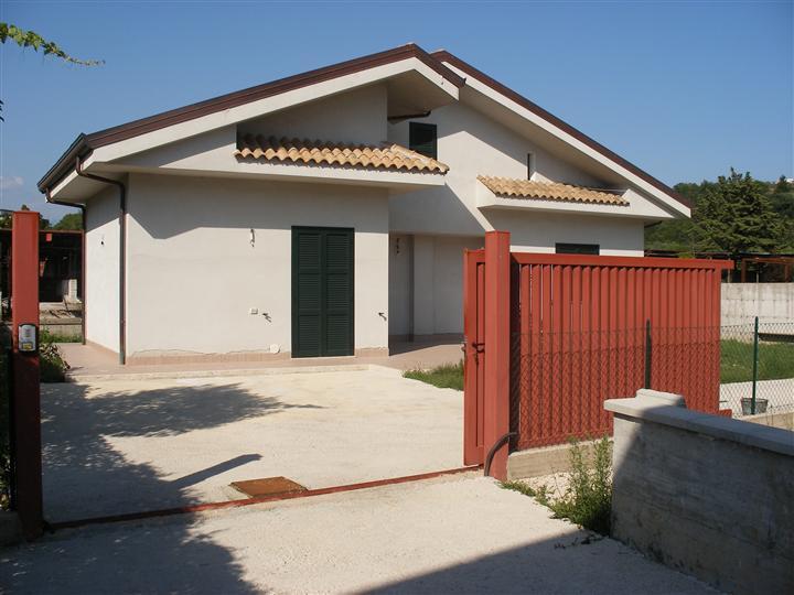 Villino in Via Marittima 413, Centro, Frosinone