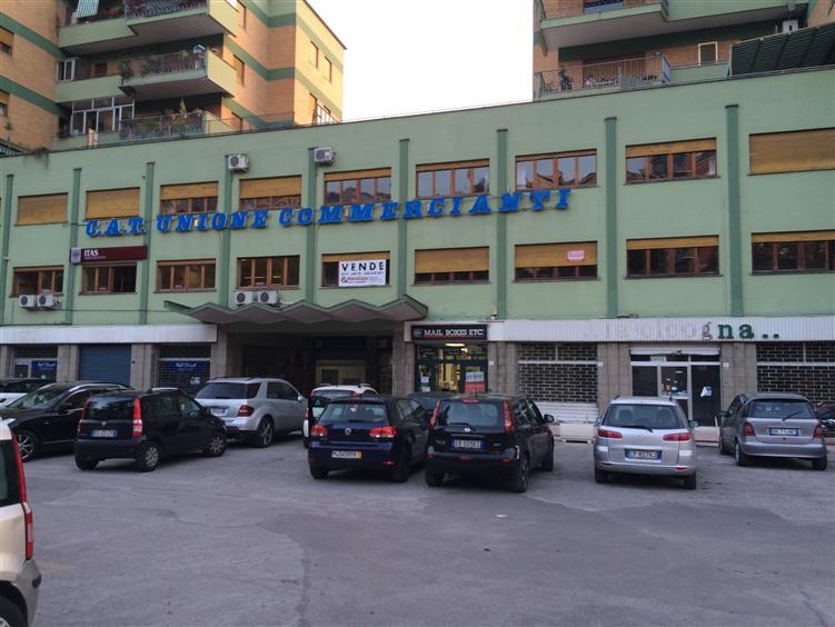 Ufficio / Studio in vendita a Frosinone, 12 locali, zona Zona: Centro, Trattative riservate | CambioCasa.it