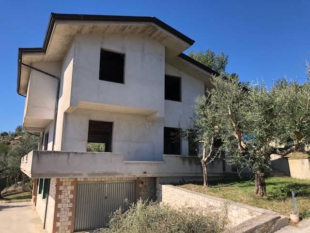 Villa in vendita a Torrice, 7 locali, zona Località: CONFINE MANIANO, prezzo € 179.000 | CambioCasa.it