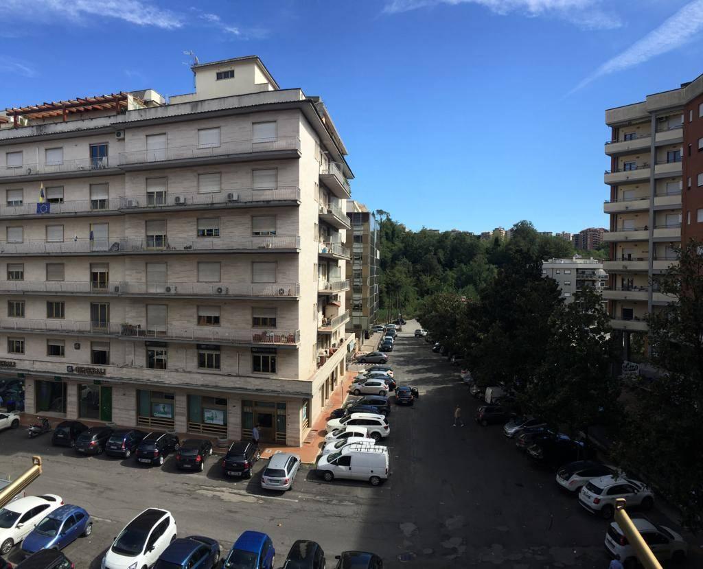 Trilocale in Piazza Caduti Via Fani, Centro, Frosinone