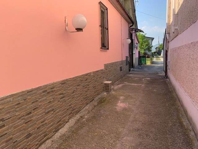 Appartamento in affitto a Frosinone, 2 locali, zona Località: AEROPORTO, prezzo € 350   CambioCasa.it