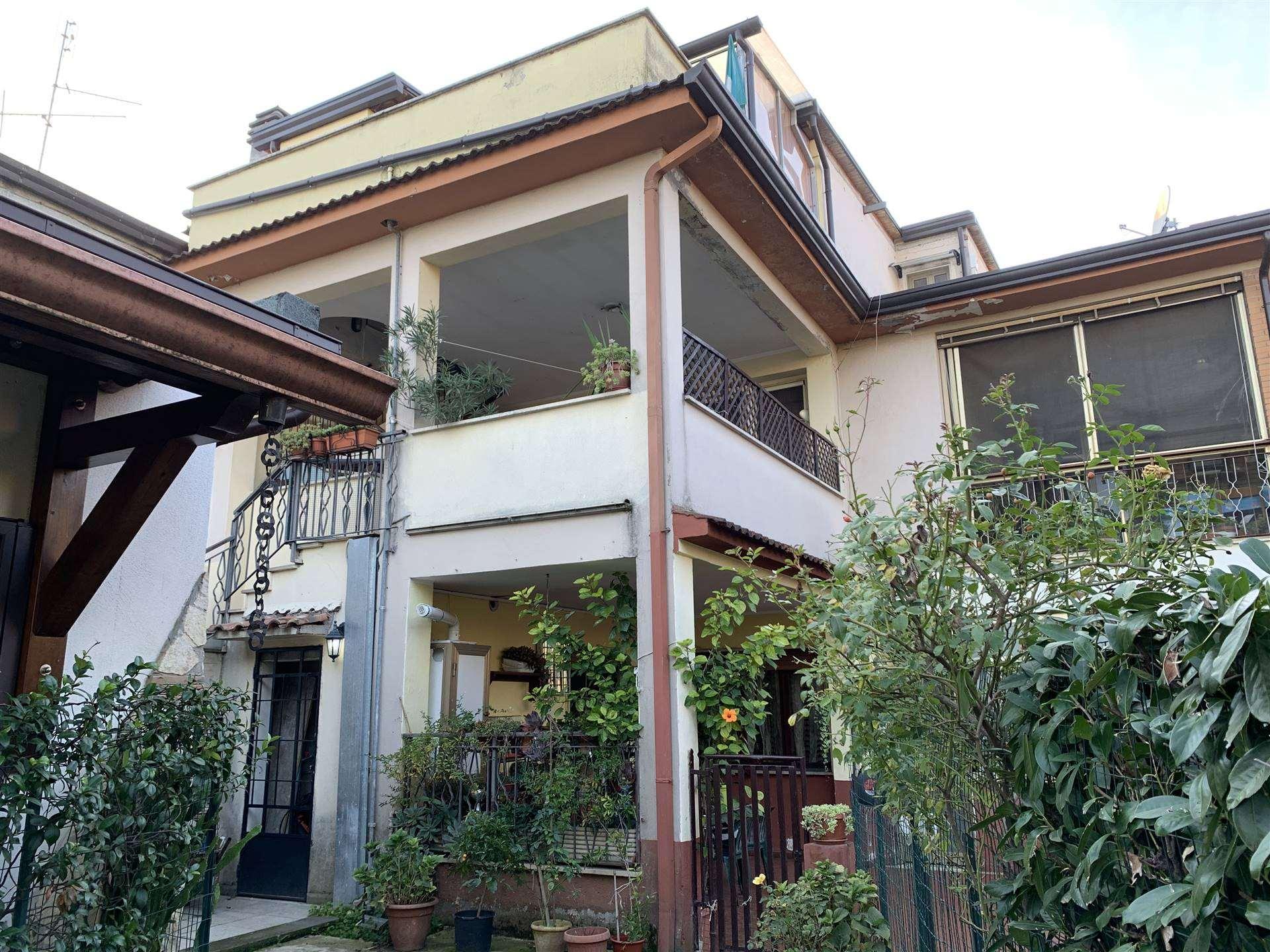 Appartamento in vendita a Frosinone, 5 locali, zona feria, prezzo € 85.000 | PortaleAgenzieImmobiliari.it