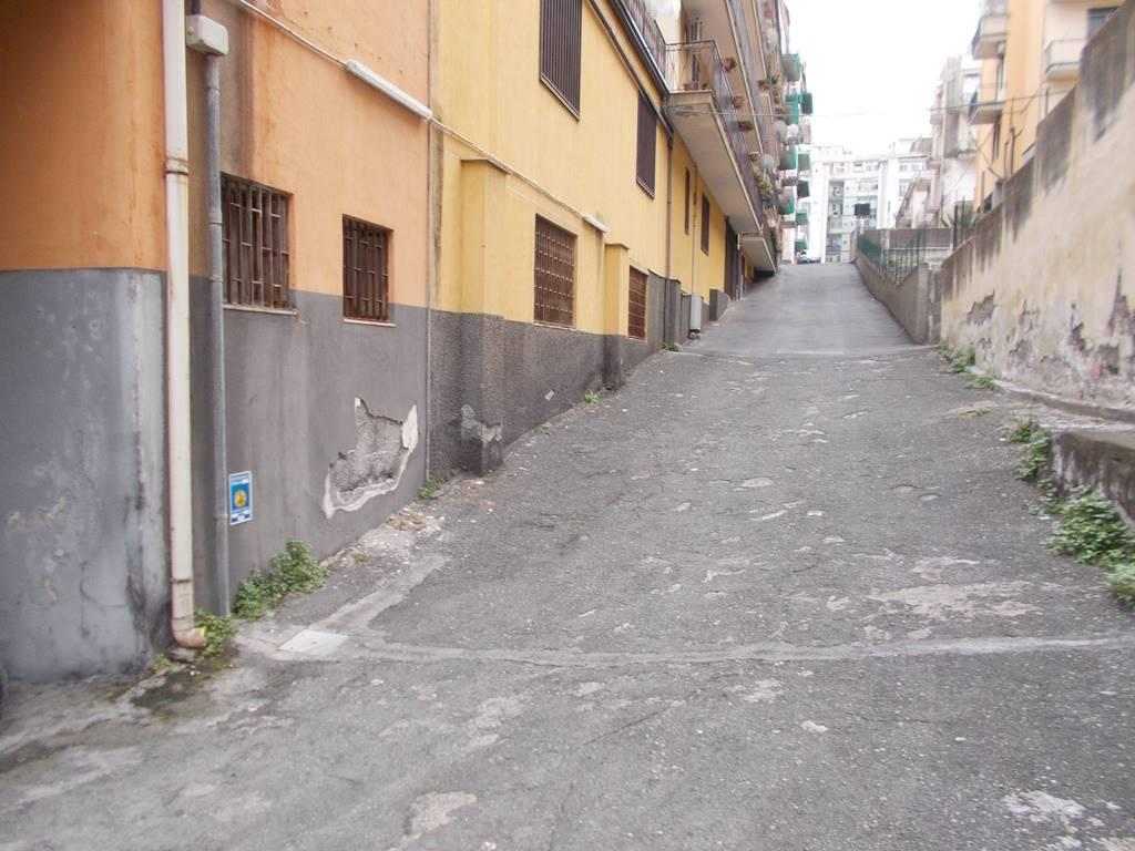 Magazzino, Viale M. Rapisardi - Lavaggi, Catania