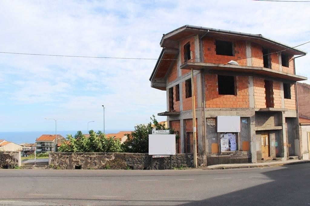 Palazzo in Via Roma 3, Piedimonte Etneo
