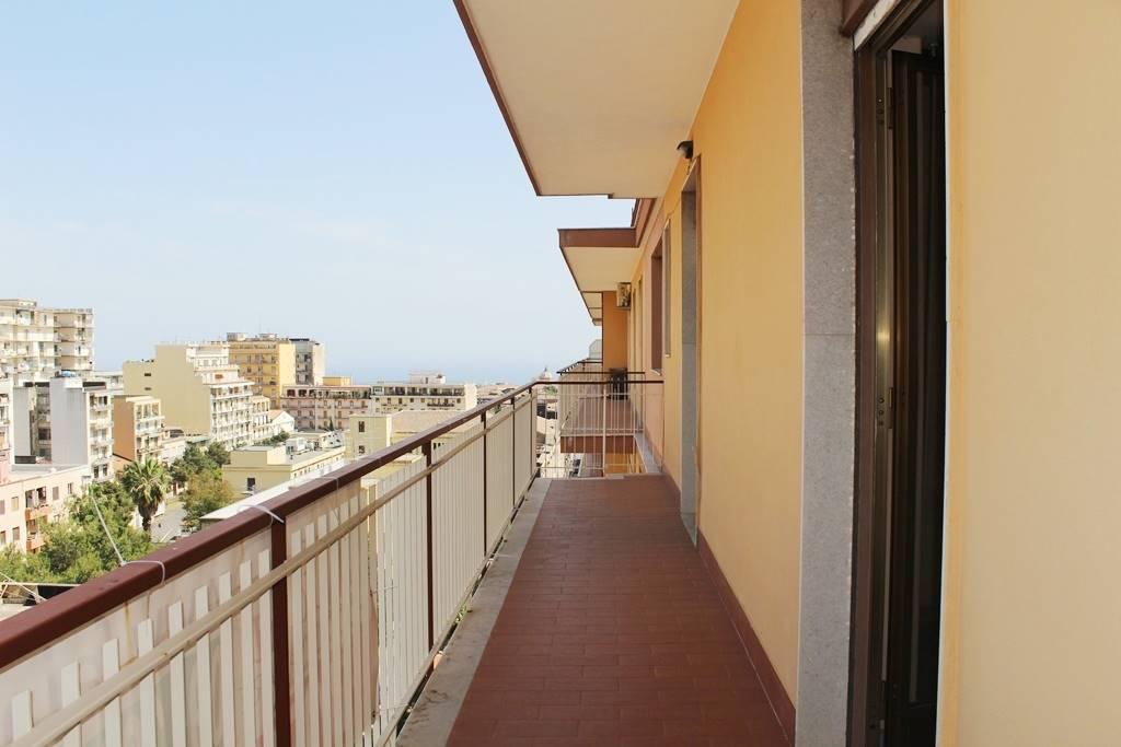 Appartamento in vendita a Acireale, 3 locali, prezzo € 119.000 | CambioCasa.it