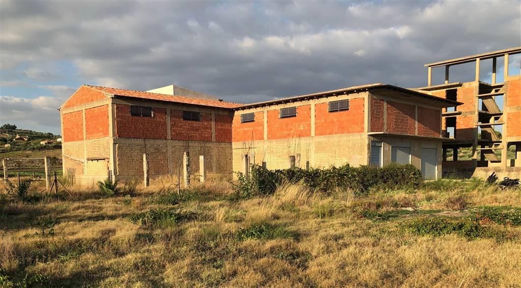 Magazzino in vendita a Campobello di Licata, 9999 locali, zona Località: MILICI, Trattative riservate | CambioCasa.it