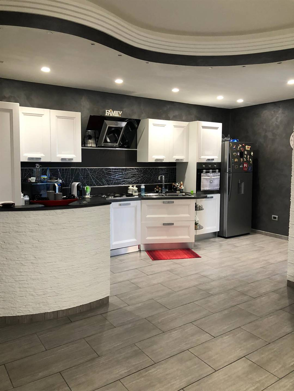 Appartamento in vendita a Canicattì, 8 locali, prezzo € 100.000 | CambioCasa.it