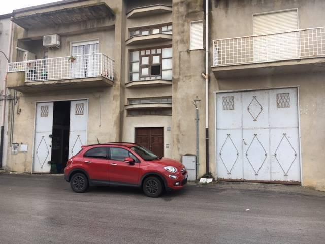 Magazzino in affitto a Campobello di Licata, 9999 locali, Trattative riservate | CambioCasa.it