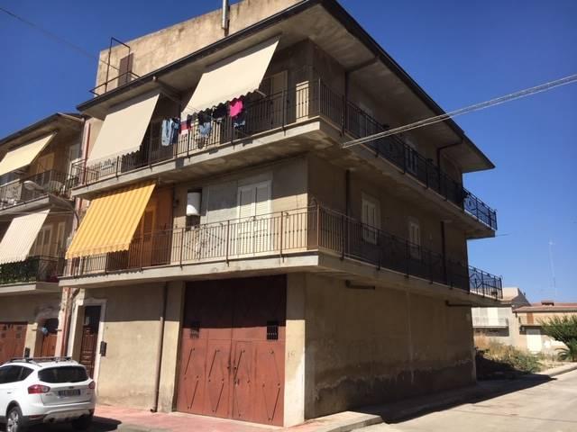 Appartamento in vendita a Ravanusa, 6 locali, prezzo € 100.000 | CambioCasa.it