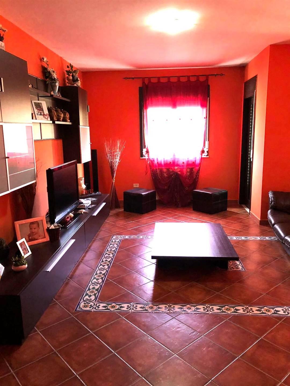 Appartamento in affitto a Campobello di Licata, 6 locali, Trattative riservate | CambioCasa.it