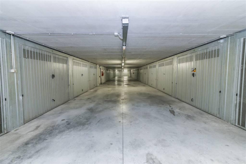 Garage / Posto auto in Via Fratelli Camperio 20, Villasanta