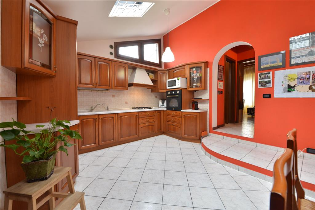 Trilocale in Via Mazzini 25, Villasanta