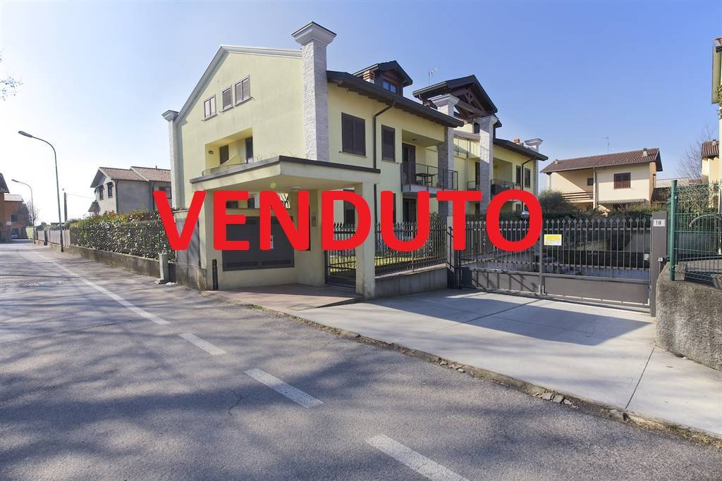 Trilocale in Via Bruno Buozzi  20, Bruno, Arcore