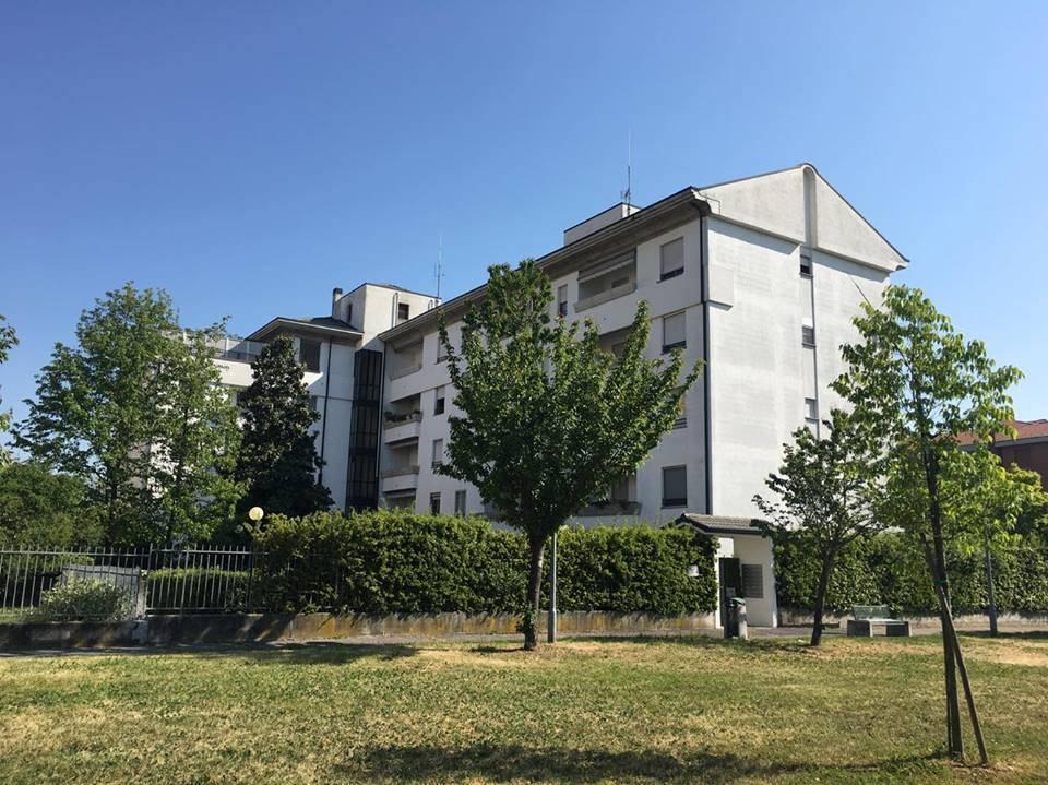 Trilocale in Via Guardini 4, Monza