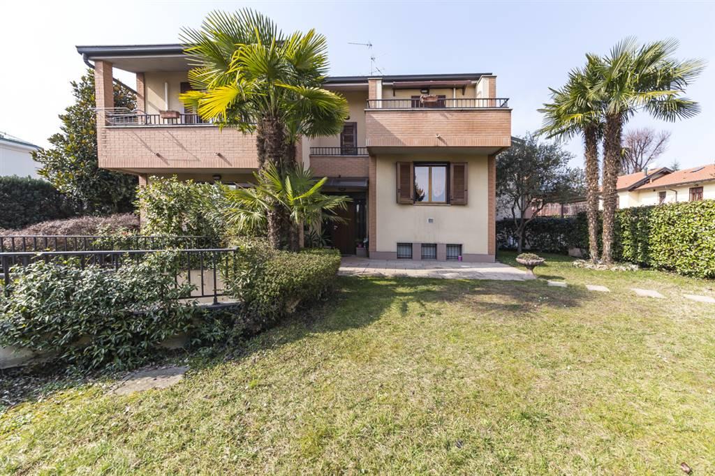 Villa bifamiliare in vendita a Villasanta (Monza Brianza) - rif ...