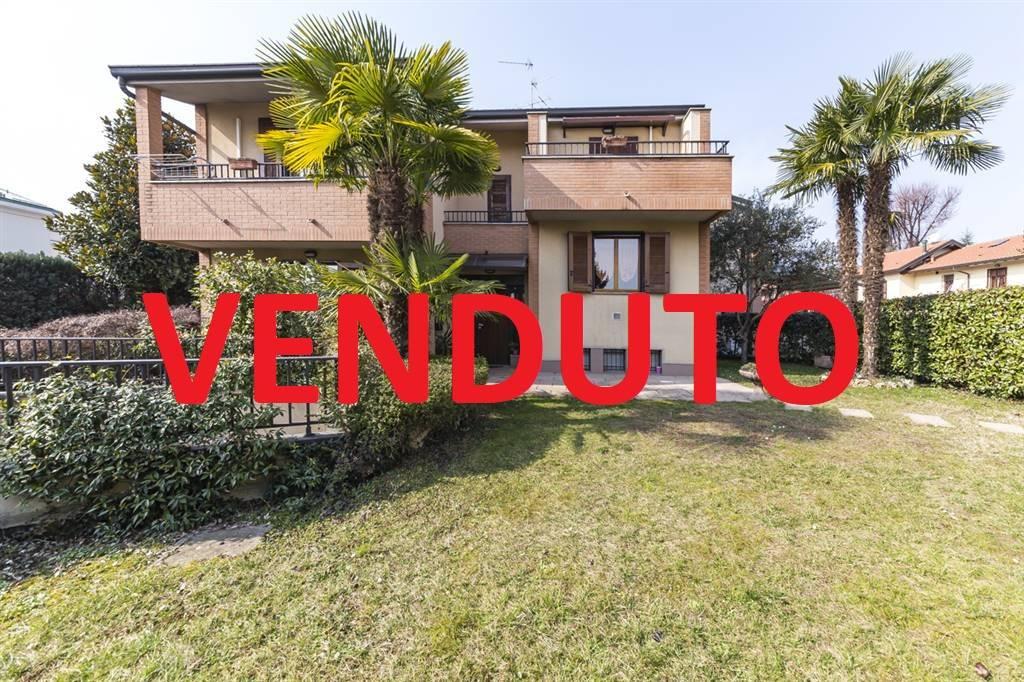Villa Bifamiliare in vendita a Villasanta, 5 locali, prezzo € 398.000   CambioCasa.it