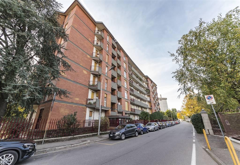Trilocale in Via Della Birona 27, San Biagio, Cazzaniga, Monza