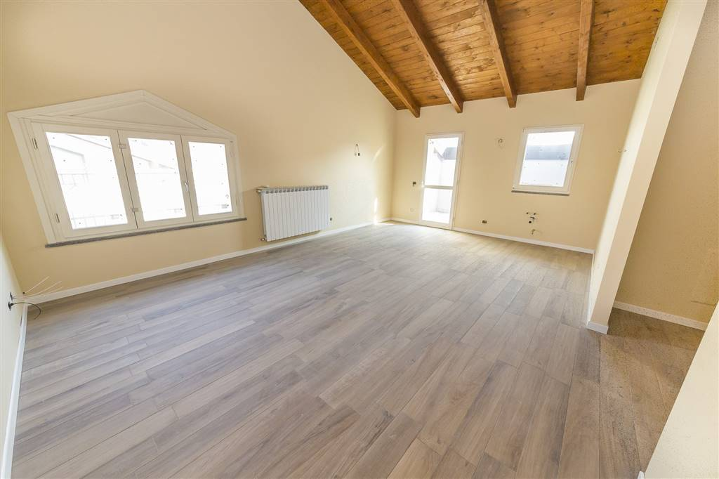 Penthouse in LESMO 95 Sq. mt. | 3 Rooms