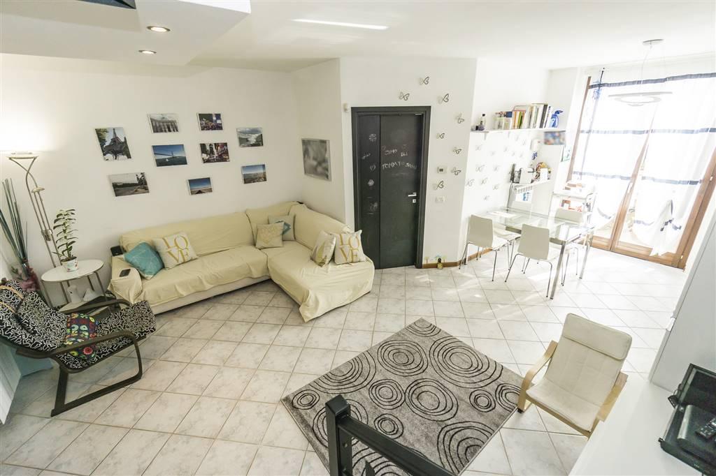 Apartment in CORREZZANA 80 Sq. mt. | 3 Rooms - Garage