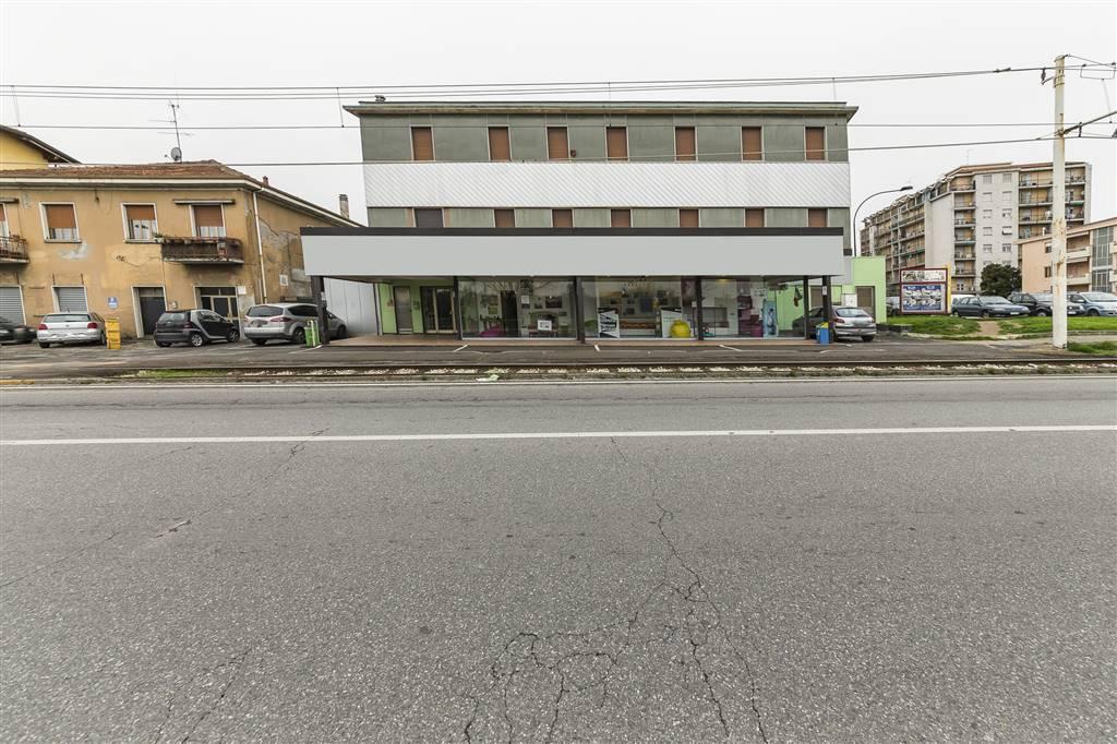 Shop in LIMBIATE 1350 Sq. mt.