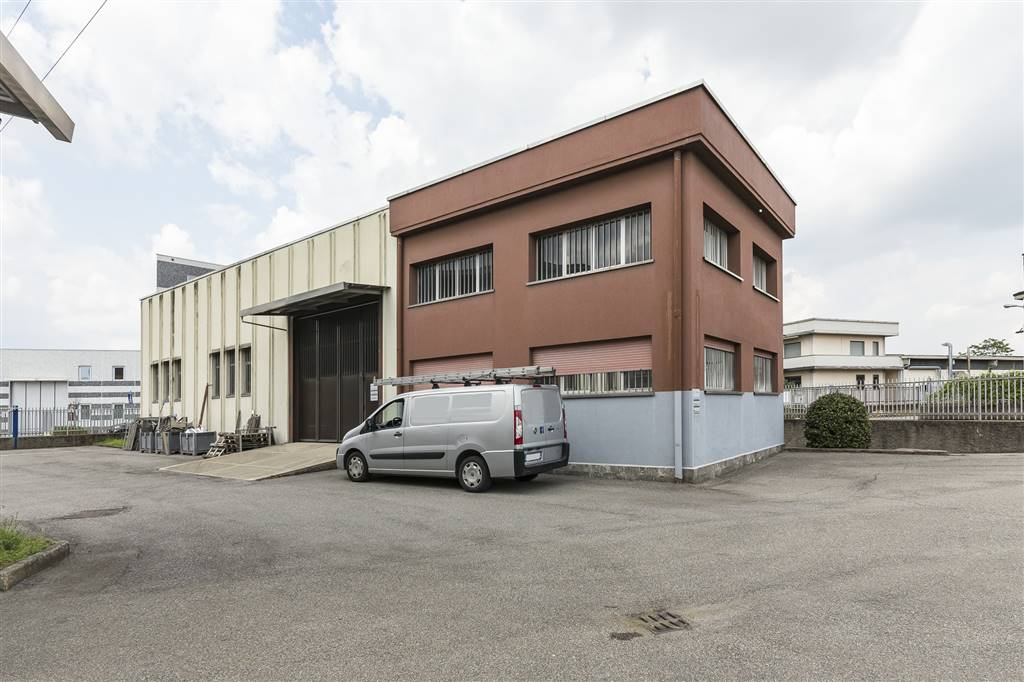 Capannone industriale a MONZA