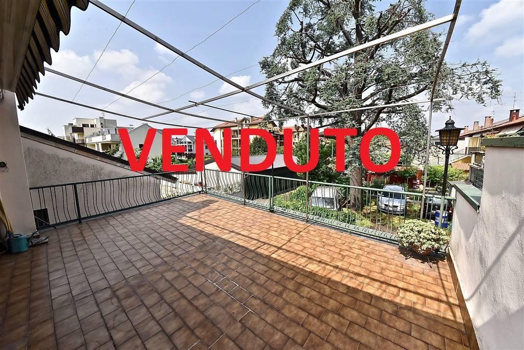 Appartamento in vendita a Villasanta, 10 locali, prezzo € 270.000   CambioCasa.it