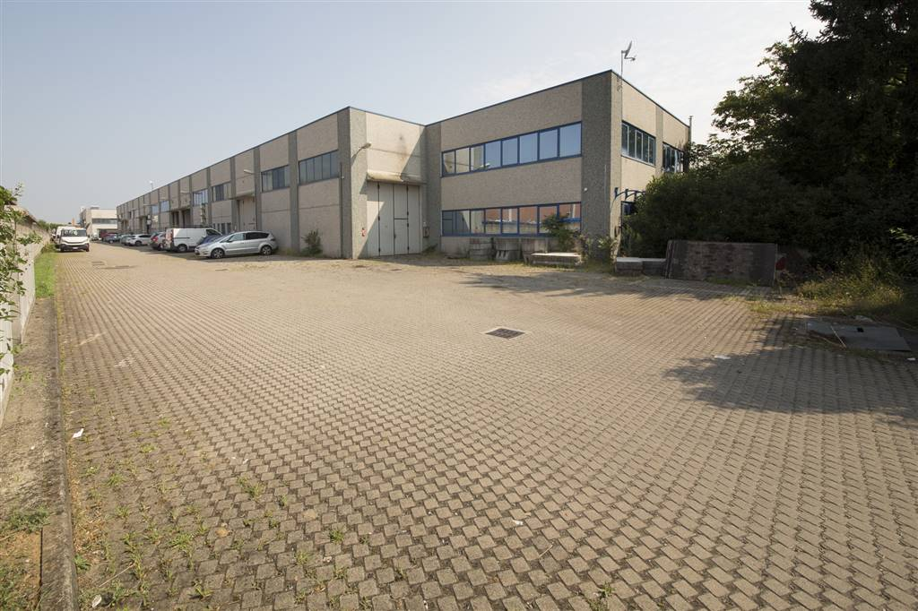 Bâtiment industriel au GESSATE 290 Mq