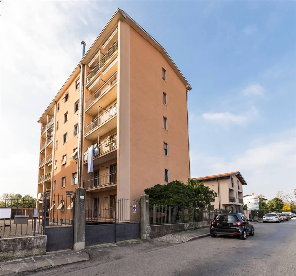 Trilocale in Via Monte Sabotino 5, Villasanta