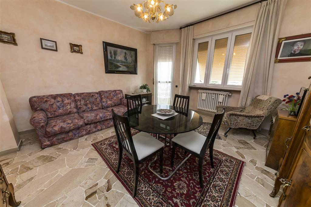 Apartment in SEREGNO 112 Sq. mt. | 4 Rooms - Garage | Garden 0 Sq. mt.