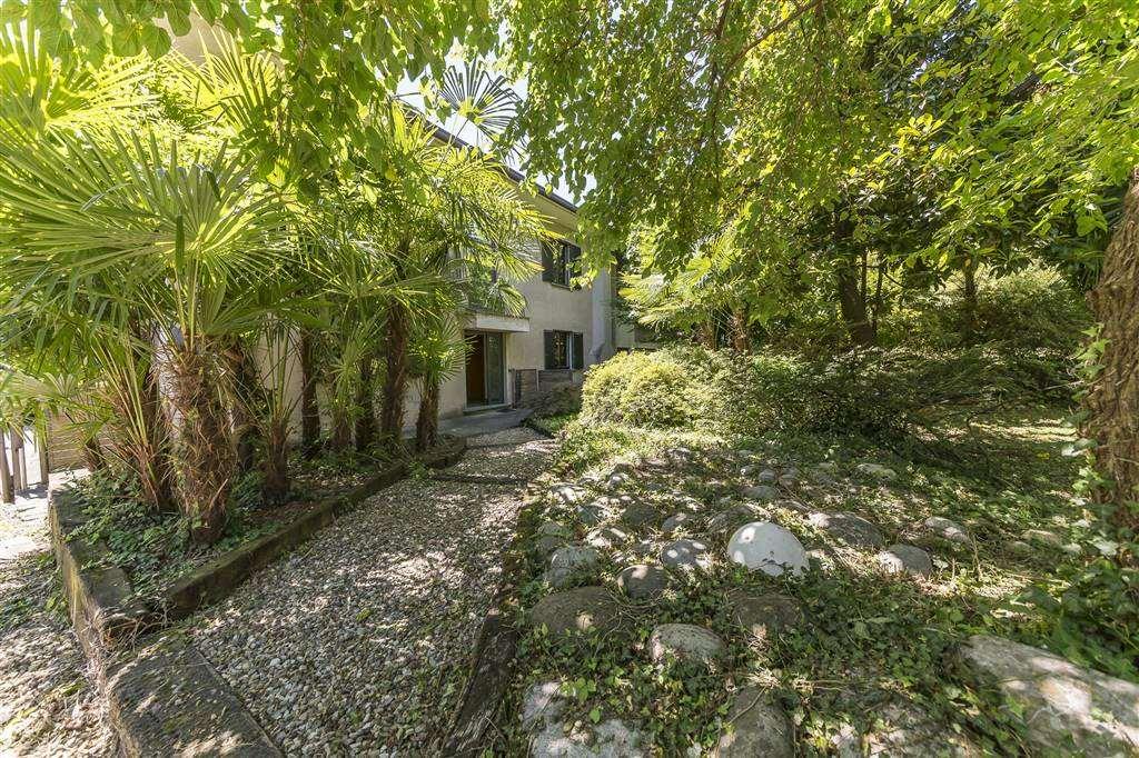 Villa a BERNAREGGIO