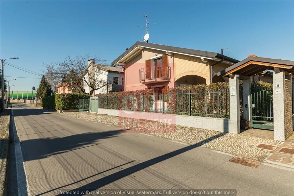 Villa in Via Puccini 12, Corrada, Usmate Velate