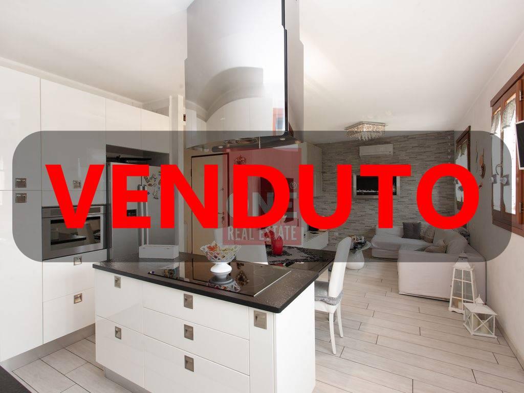 Appartamento in vendita a Biassono, 4 locali, prezzo € 235.000 | PortaleAgenzieImmobiliari.it