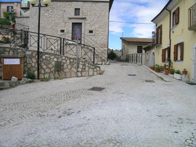 Bilocale in Corso Vittorio Emanuele  7, Scontrone