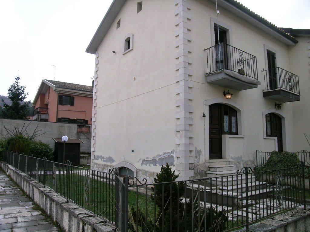 Villa a schiera in Via Corone, Alfedena
