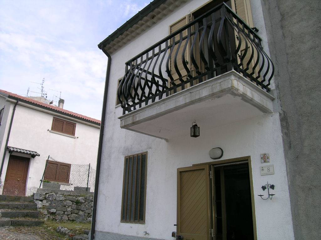 Casa semi indipendente, San Pietro Avellana, abitabile