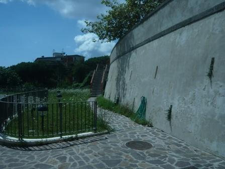 Garage / Posto auto in Via Domenico Fontana, Vomero, Napoli