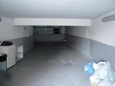 Garage / Posto auto in Via Mario Ruta, Vomero, Napoli