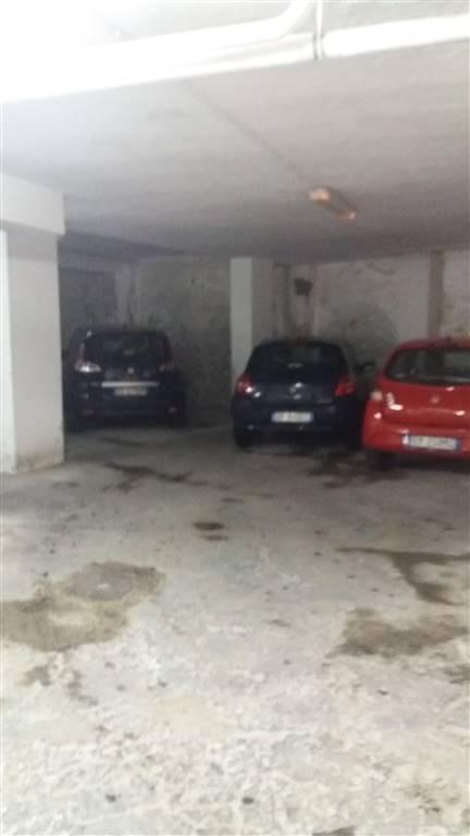 Garage / Posto auto in Via Filippo Palizzi, Vomero, Napoli