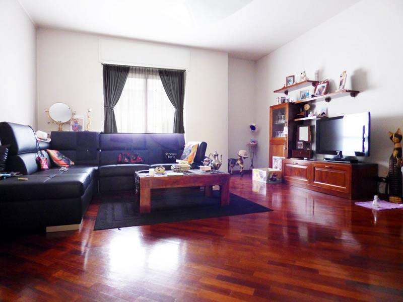 Appartamento in vendita a Dogliani, 5 locali, prezzo € 128.000 | PortaleAgenzieImmobiliari.it