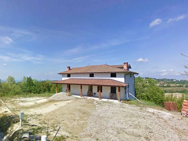 Villa in vendita a Serravalle Langhe, 6 locali, prezzo € 220.000   PortaleAgenzieImmobiliari.it