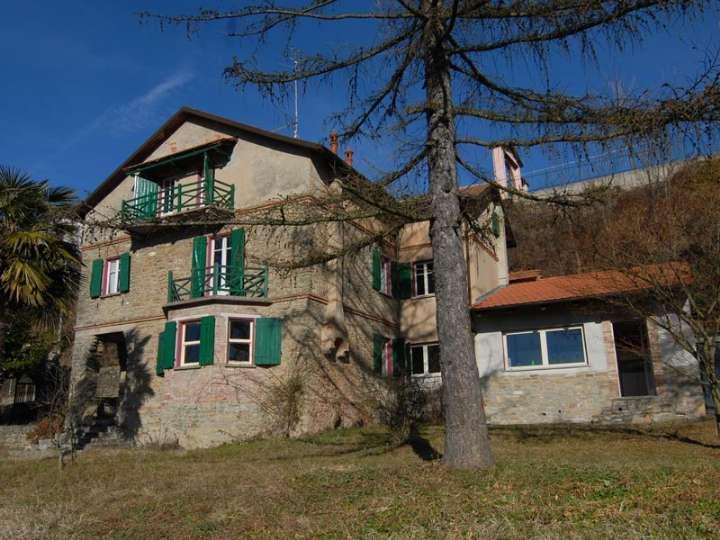 Villa in vendita a Bossolasco, 10 locali, prezzo € 450.000 | PortaleAgenzieImmobiliari.it