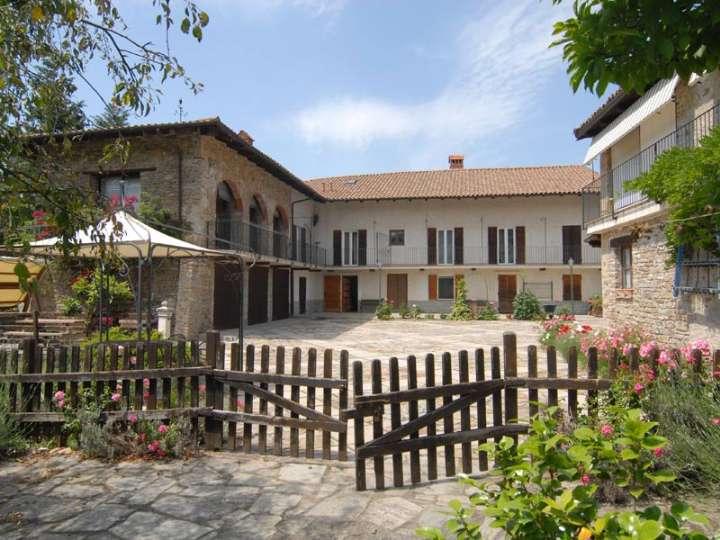 Rustico / Casale in vendita a Camerana, 14 locali, prezzo € 500.000   PortaleAgenzieImmobiliari.it