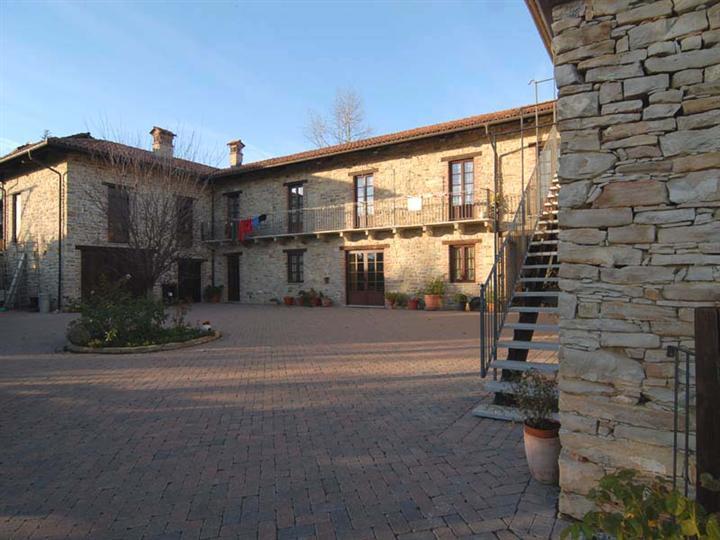 Agriturismo in vendita a Paroldo, 9999 locali, prezzo € 795.000 | PortaleAgenzieImmobiliari.it
