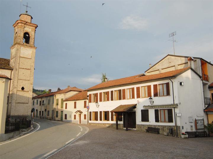 Albergo in vendita a San Benedetto Belbo, 15 locali, prezzo € 105.000 | PortaleAgenzieImmobiliari.it
